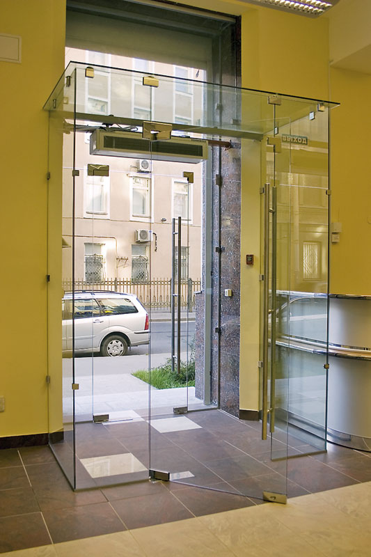 входные группы и офисные двери